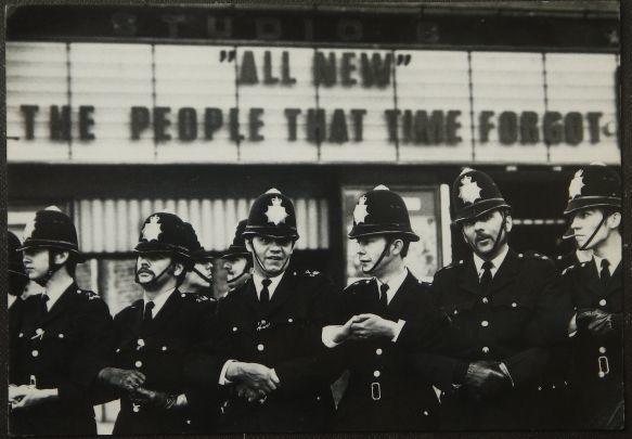 画像1: イギリス アンティークポストカード LONDON POLICE (1)